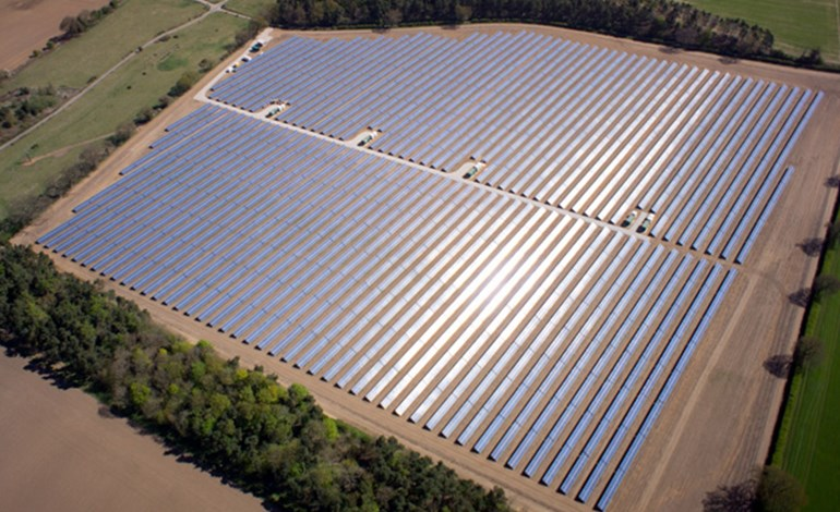 Greencoat swoops on 156 MW UK solar portfolio